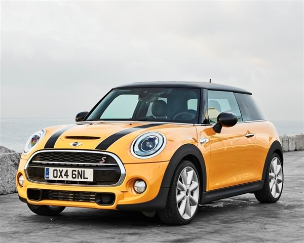 2014 Mini CooperCooper S Hardtop arrives in style  Kelley Blue Book