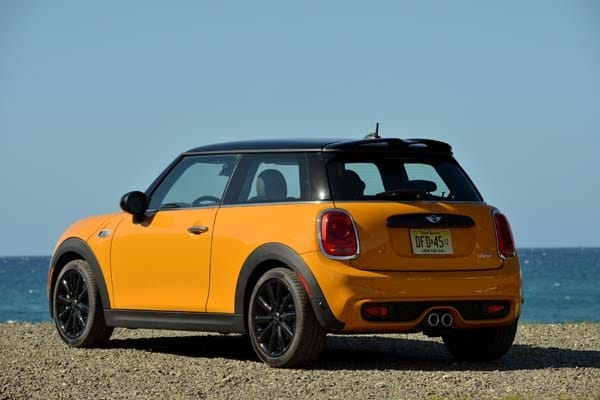 2014 Mini Cooper and Cooper S Hardtops First Drive: Still Playful, Strongly German 7