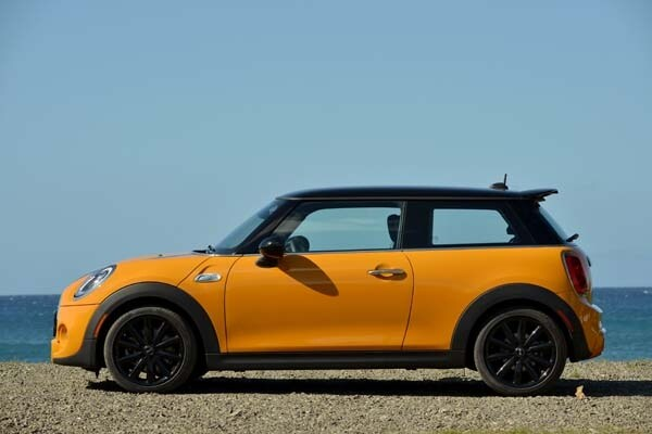 2014 Mini Cooper and Cooper S Hardtops First Drive: Still Playful, Strongly German 8