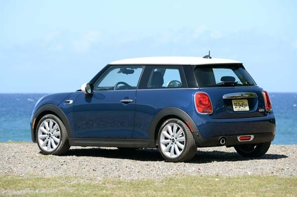 2014 Mini Cooper and Cooper S Hardtops First Drive: Still Playful, Strongly German 11