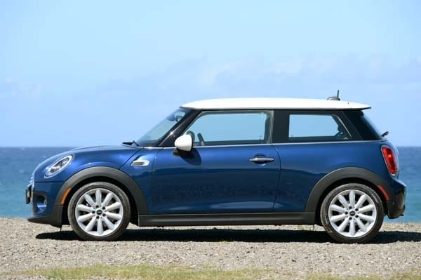 2014 Mini Cooper and Cooper S Hardtops First Drive: Still Playful, Strongly German 12