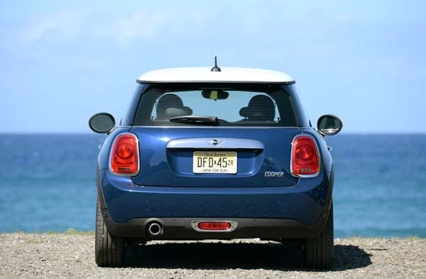 2014 Mini Cooper and Cooper S Hardtops First Drive: Still Playful, Strongly German 13