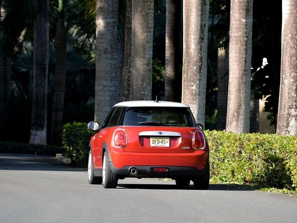 2014 Mini Cooper and Cooper S Hardtops First Drive: Still Playful, Strongly German 21