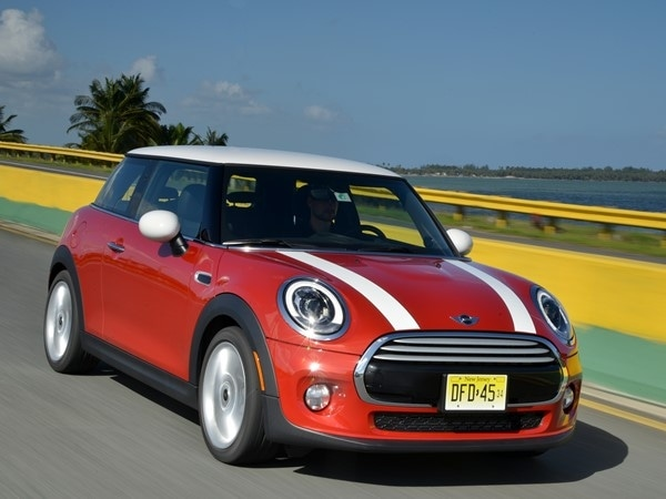 2014 Mini Cooper and Cooper S Hardtops First Drive: Still Playful, Strongly German 15