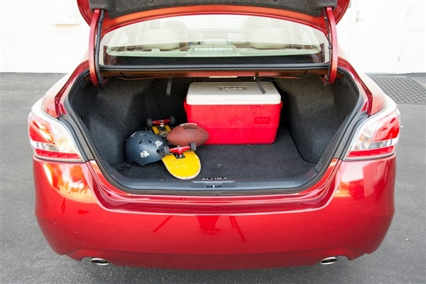 12 Best Family Cars: 2014 Nissan Altima 7