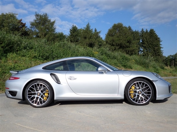 2014 Porsche 911 Turbo and Turbo S First Review: User-friendly Brilliance 4