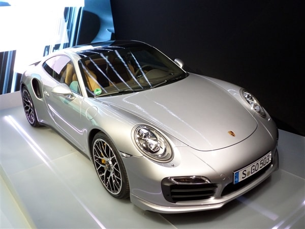 2014 Porsche 911 Turbo and Turbo S First Review: User-friendly Brilliance 23