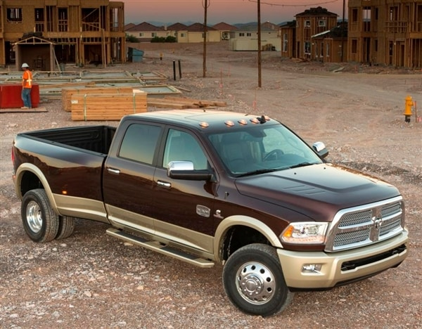 2014 Ram 2500/3500 HD pickups get new 6.4-liter Hemi V8 option