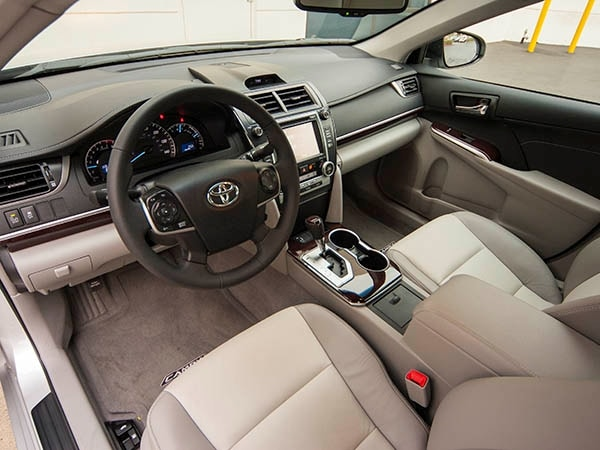 2014 Toyota Camry Old Guys Rule Kelley Blue Book