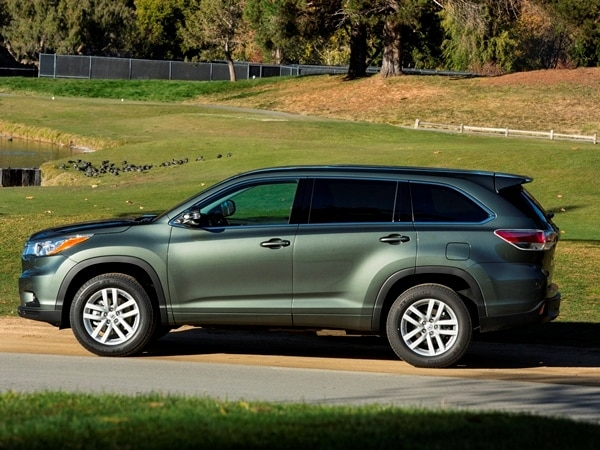 2014 toyota highlander first review a solid  petitor in