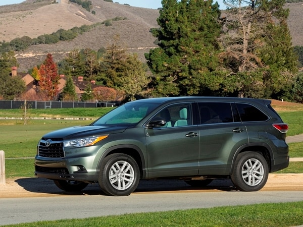 2014 Toyota Highlander First Review: A solid competitor in a solid segment 23