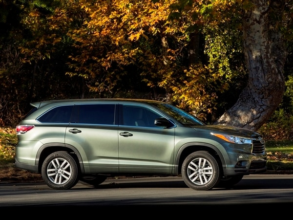 2014 Toyota Highlander First Review: A solid competitor in a solid segment 18