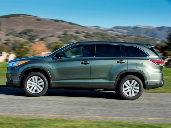 2014 Toyota Highlander First Review: A solid competitor in a solid segment 21