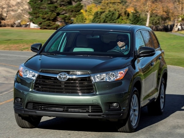 2014 Toyota Highlander First Review: A solid competitor in a solid segment 17