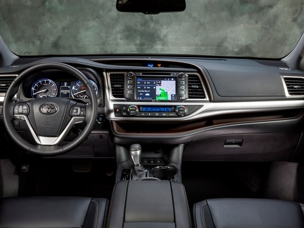 2014 Toyota Highlander First Review: A solid competitor in a solid segment 33
