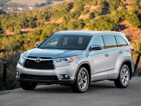2014 Toyota Highlander First Review: A solid competitor in a solid segment