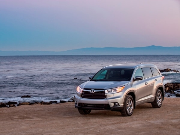 2014 Toyota Highlander First Review: A solid competitor in a solid segment 8