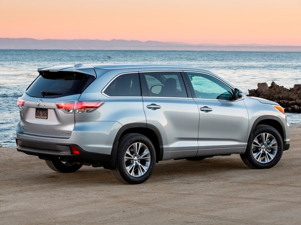 2014 Toyota Highlander First Review: A solid competitor in a solid segment 7