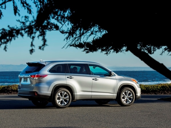 2014 Toyota Highlander First Review: A solid competitor in a solid segment 6