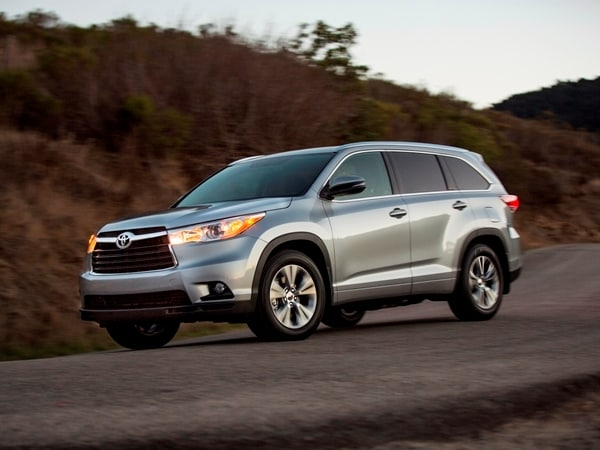 2014 Toyota Highlander First Review: A solid competitor in a solid segment 2