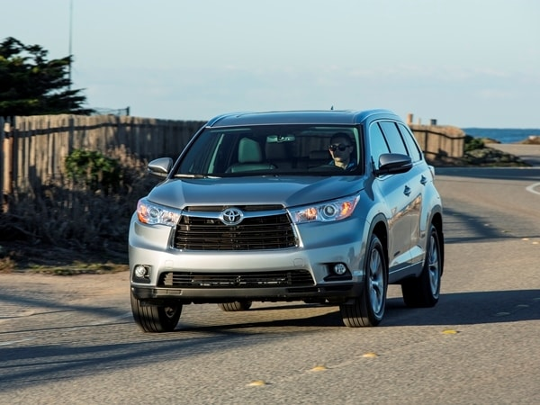 2014 Toyota Highlander First Review: A solid competitor in a solid segment 11