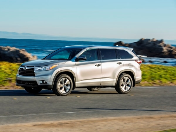 2014 Toyota Highlander First Review: A solid competitor in a solid segment 12