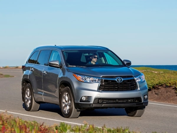 2014 Toyota Highlander First Review: A solid competitor in a solid segment 14