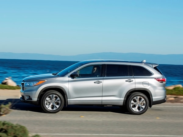 2014 Toyota Highlander First Review: A solid competitor in a solid segment 16