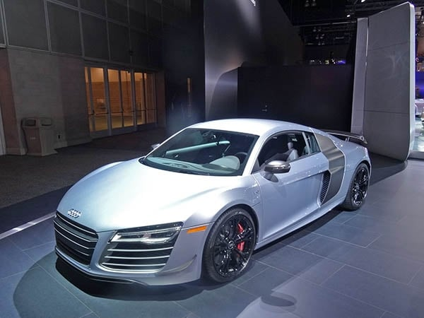 2015 audi r8 competition 570 hp road rocket kelley blue. Black Bedroom Furniture Sets. Home Design Ideas