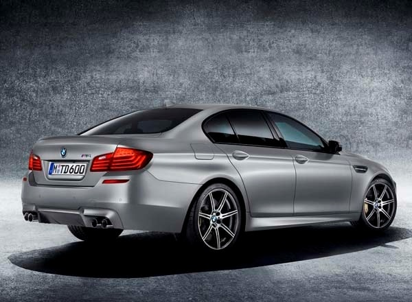 2015 BMW M5 30th Anniversary Edition celebrates with 600 horses