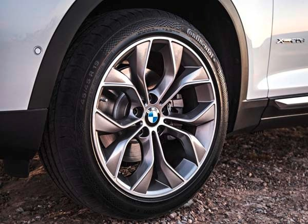 2015 BMW X3 - more style, rear-drive and a new turbodiesel option 8