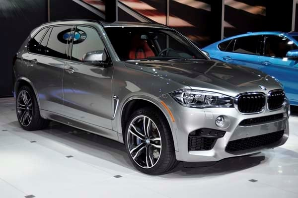 2015 bmw x5 m gets a new look and 567 horsepower kelley blue book. Black Bedroom Furniture Sets. Home Design Ideas