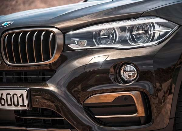2015 BMW X6: New style, power and rear-drive 15