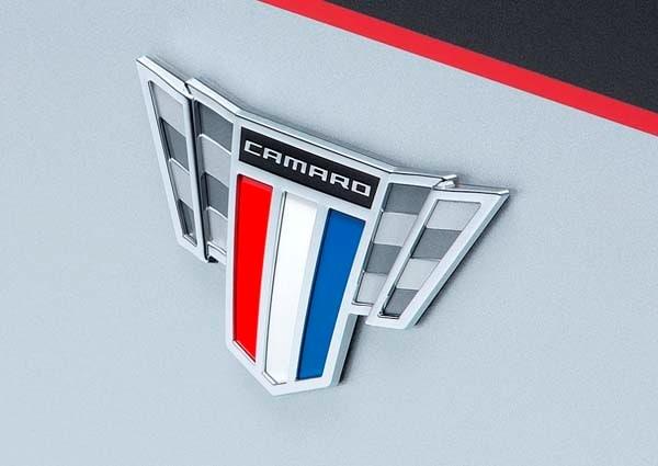 Chevy Camaro 2015 >> 2015 Chevrolet Camaro Commemorative Edition unveiled - Kelley Blue Book