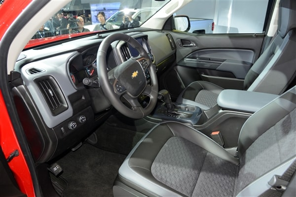 Chevrolet reinvents Colorado midsize pickup truck for 2015 11
