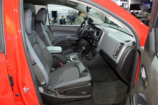 Chevrolet reinvents Colorado midsize pickup truck for 2015 15