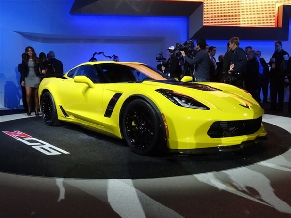 2015 chevrolet corvette stingray z06 debuts in detroit - Corvette 2015 Stingray Blue