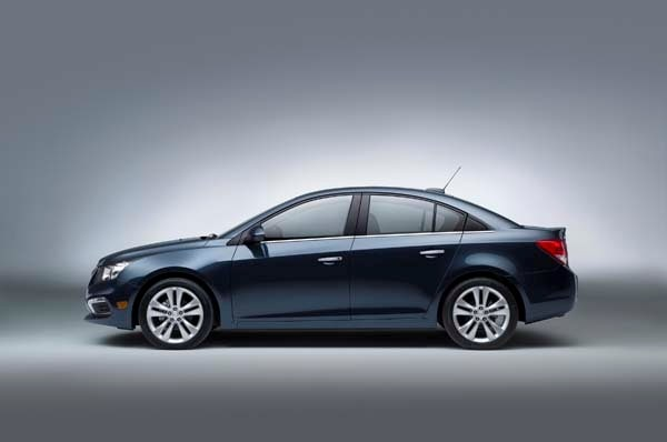 2015 Chevrolet Cruze: Facelift brings Siri Integration, OnStar 4G LTE 11