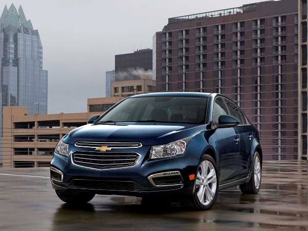 2015 Chevrolet Cruze: Facelift brings Siri Integration, OnStar 4G LTE 12