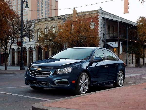 2015 Chevrolet Cruze: Facelift brings Siri Integration, OnStar 4G LTE 13