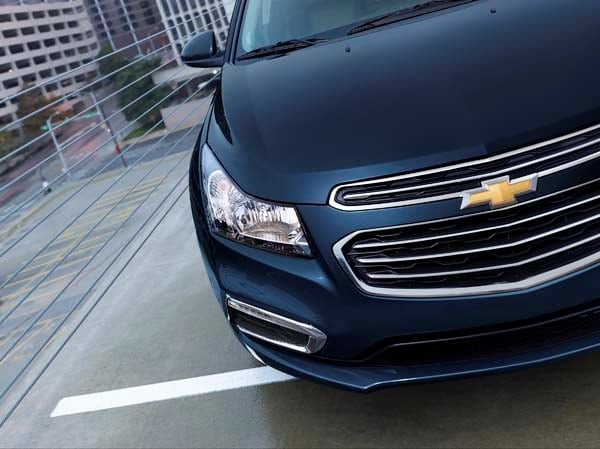 2015 Chevrolet Cruze: Facelift brings Siri Integration, OnStar 4G LTE 16