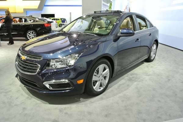 2015 Chevrolet Cruze: Facelift brings Siri Integration, OnStar 4G LTE