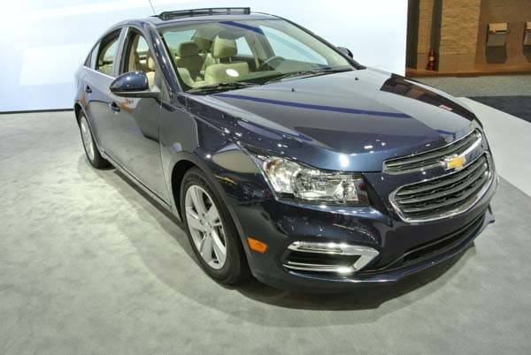 2015 Chevrolet Cruze: Facelift brings Siri Integration, OnStar 4G LTE 1