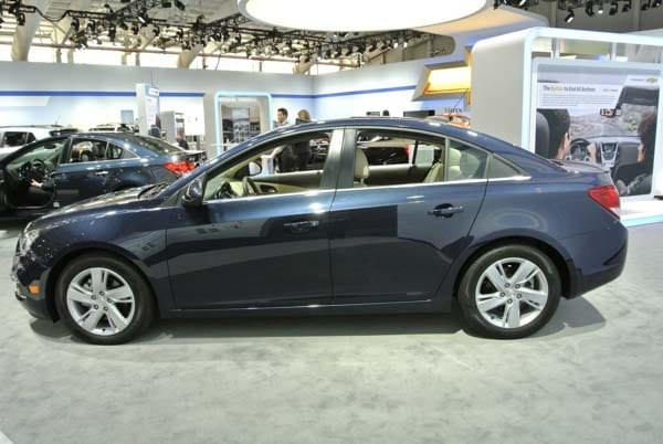2015 Chevrolet Cruze: Facelift brings Siri Integration, OnStar 4G LTE 2