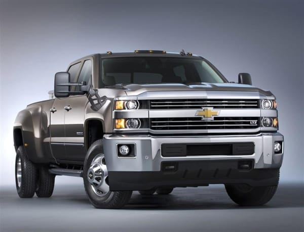 2016 Duramax Specs >> 2015 Chevrolet Silverado 2500 HD/3500 HD pickups revealed - Kelley Blue Book