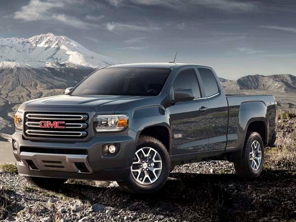 2015 Chevy Colorado/GMC Canyon: Best-in-class V6 mpg - Kelley Blue
