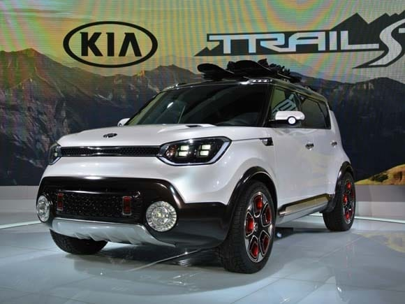 2015 Chicago Auto Show Crossover SUVs Star  Kelley Blue Book