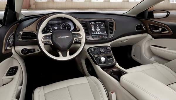 2015 Chrysler 200 First Review: An Entrant (Finally) Fit for a Tough Segment 27