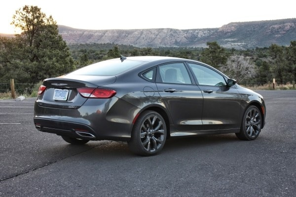 2015 Chrysler 200 The Grand Canyon Test Kelley Blue Book