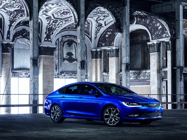 2015 Chrysler 200 revealed in Detroit 11